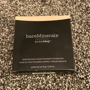 bareMinerals BarePro Foundation in Fair 01